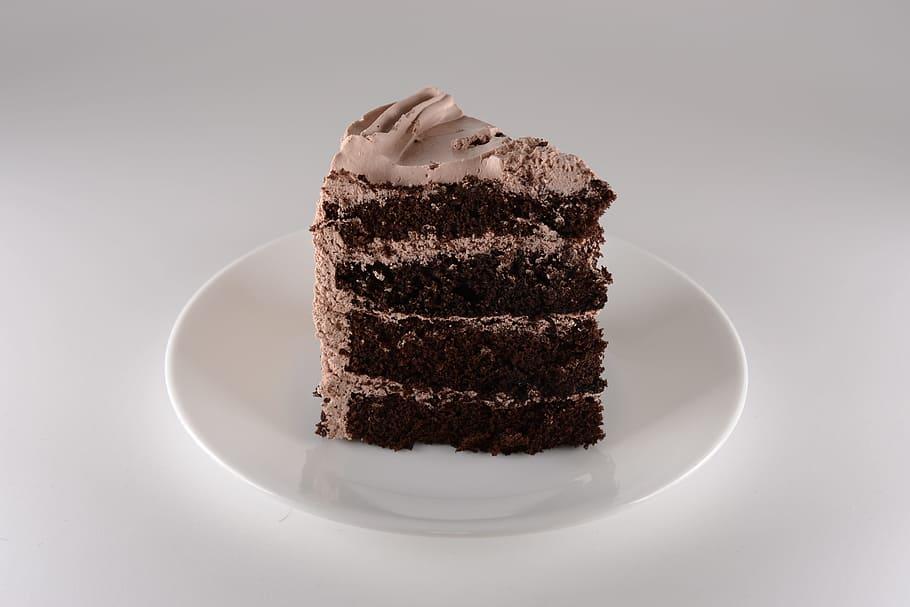 Reading should be like chocolate cake